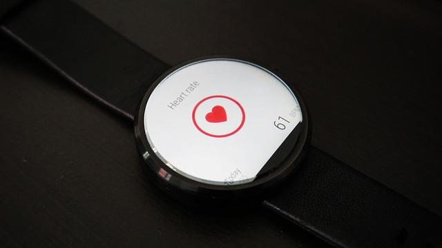 srdeční frekvence na hodinkách